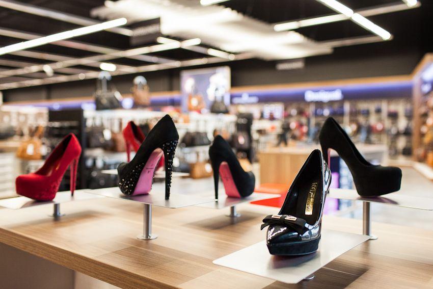 Franchise besson chaussures franchiseur v tements chaussures - Besson chaussures cholet ...