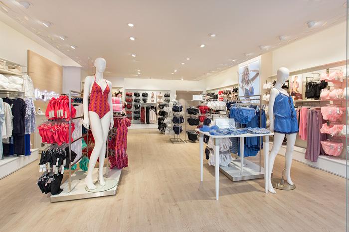 intérieur d une boutique de lingerie féminine Darjeeling 7074d414bc2b
